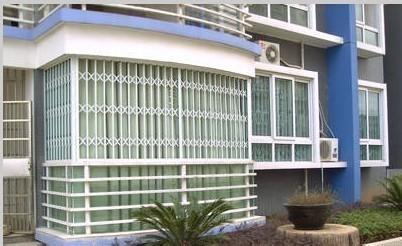 规格为130*155cm的隐形纱窗,厂家常年供应
